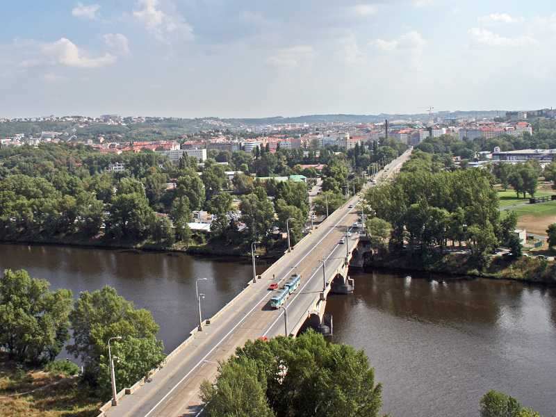 Omezení provozu tramvají a plánovaná rekonstrukce Libeňského mostu